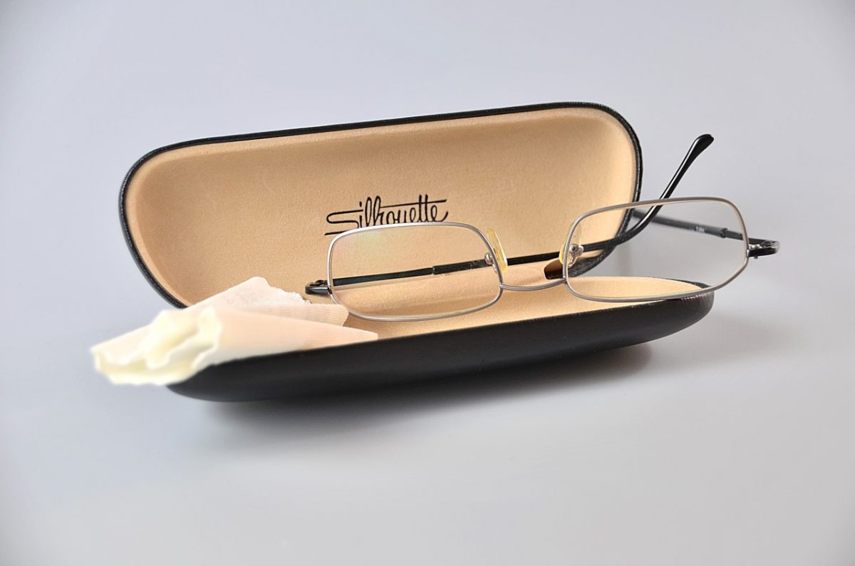 Post-cataract eyewear